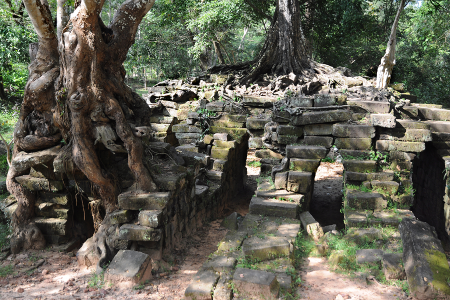 Spean Thma stone bridge in Angkor