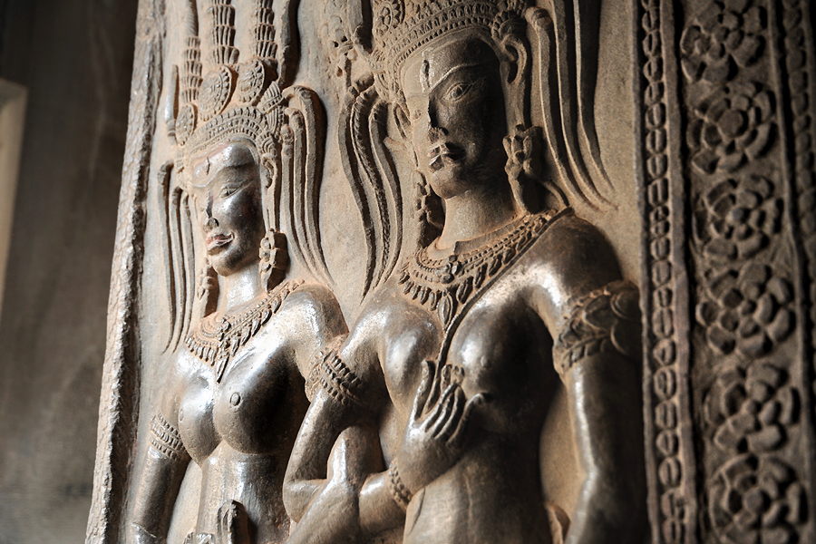 Angkor Wat Apsara couple